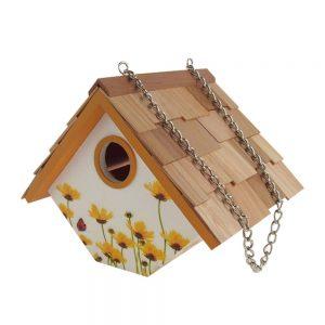 Garden Wren Birdhouse With Daisies